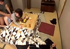 Drunk Man press Friend'_s Wife to Make Love [www.tuoilon.tv]